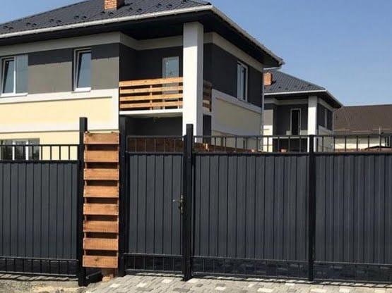 Продажа большой дом с 4 сотками земли в городе Буча. Агентство недвижимости