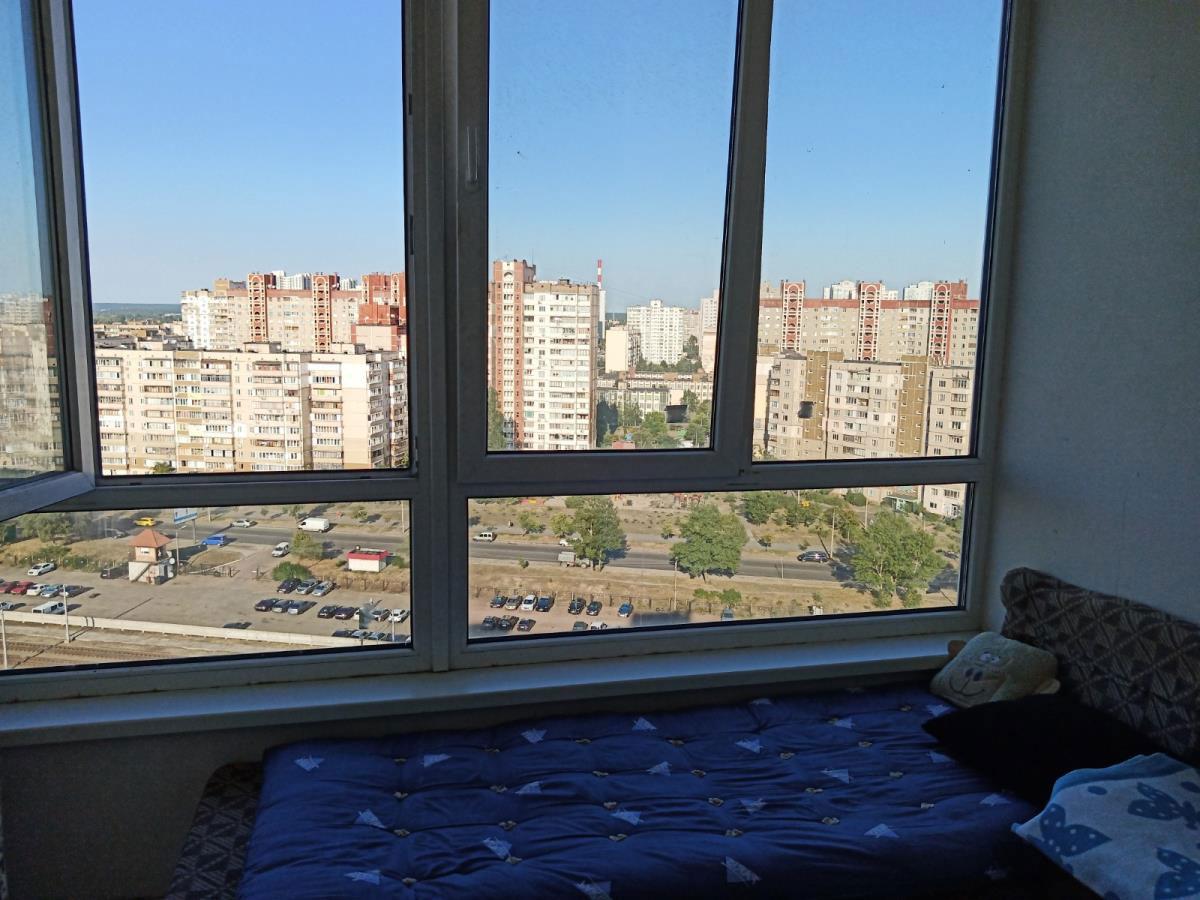 Продажа 2 двухкомнатная квартира улица Бальзака Троещина Киев. Агентство недвижимости
