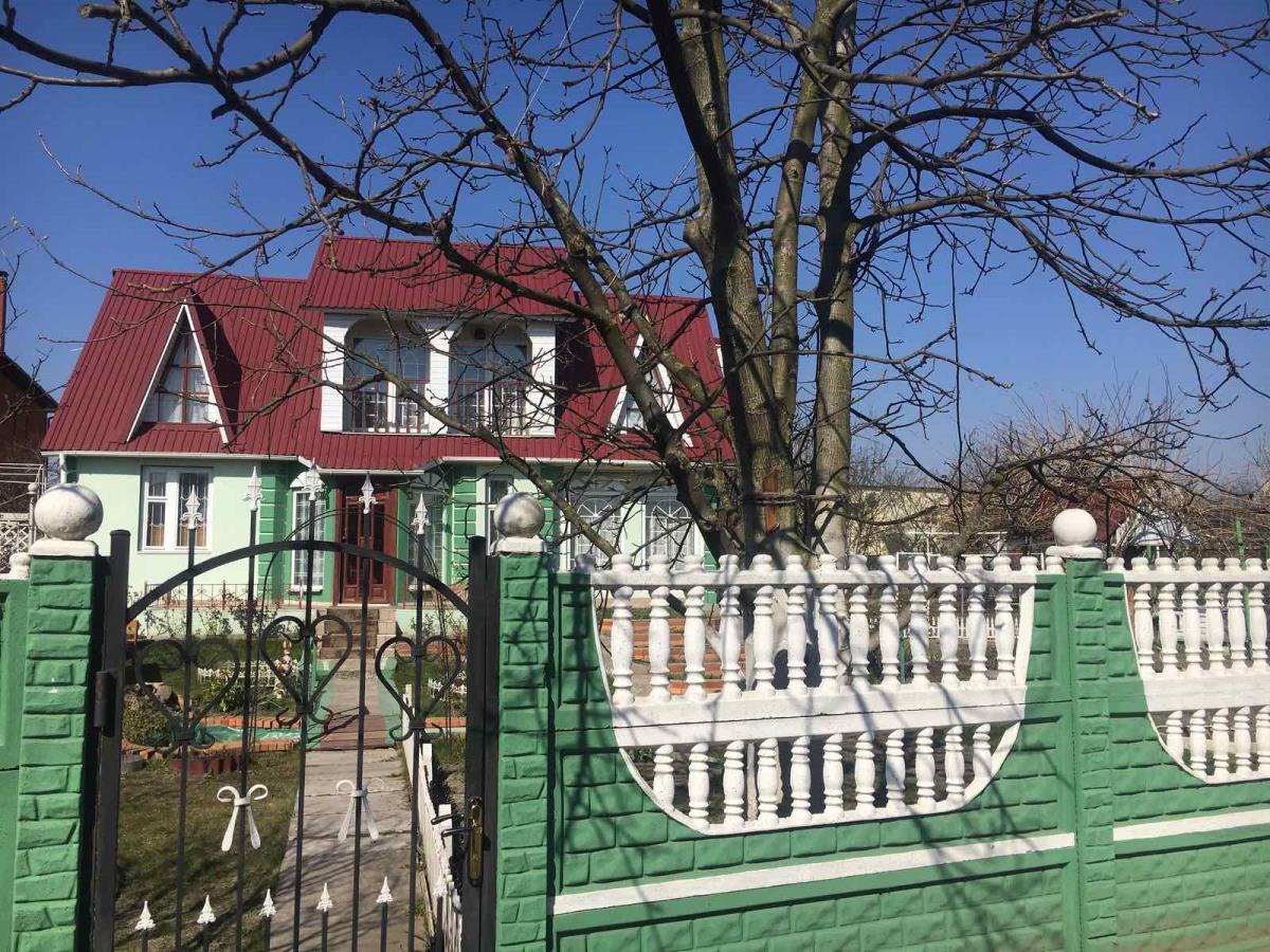 Продажа двухэтажный дом с 8 сотками на Осокорках Киев. Агентство недвижимости