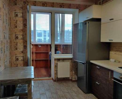 Продажа большая 1 однокомнатная квартира с хорошим ремонтом ЖК Суворов Ирпень. Агентство недвижимости
