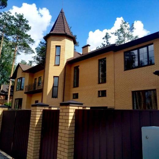 Продажа большой дом в лесном массиве в селе Мощун. Агентство недвижимости