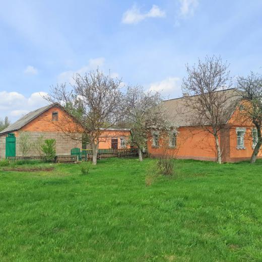 Продажа частный дом с участком 33 сотками в селе Бабинцы Бородянка. Агентство недвижимости