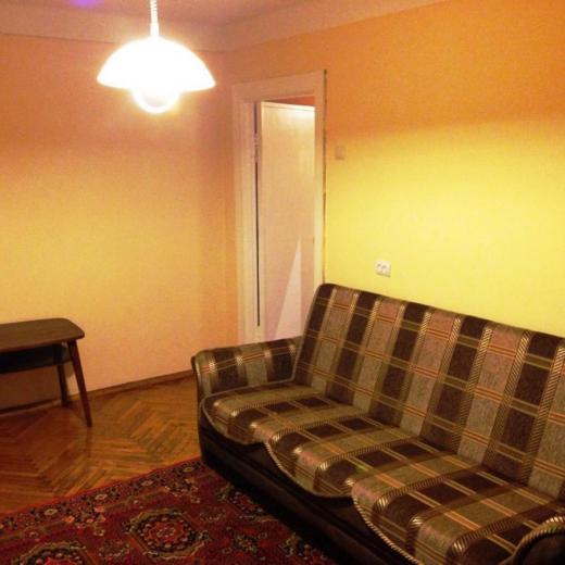 Продажа 1 однокомнатная квартира на улице Метростроевская Киев. Агентство недвижимости