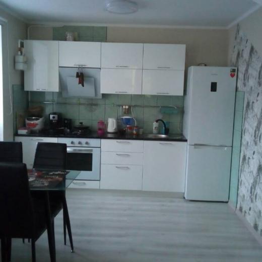 Продажа трехкомнатная квартира с хорошим ремонтом в центре Гостомеля. Агентство недвижимости