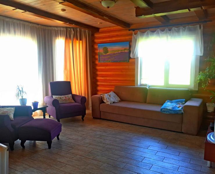 Продажа дом с мебелью из экологического Карпатского сруба в коттеджном городке в Михайловке-Рубежовке. Агентство недвижимости