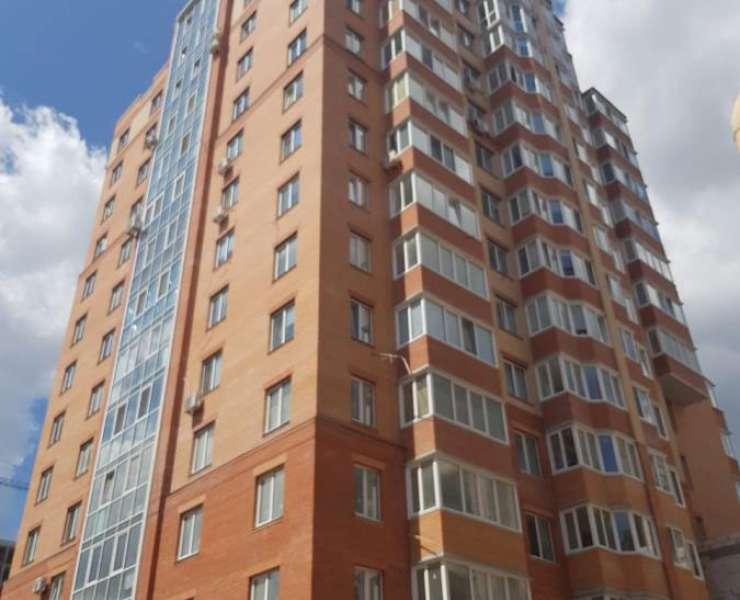 Продажа большая 2 двухкомнатная квартира пятая очередь ЖК Карат улица Университетская Ирпень. Агентство недвижимости