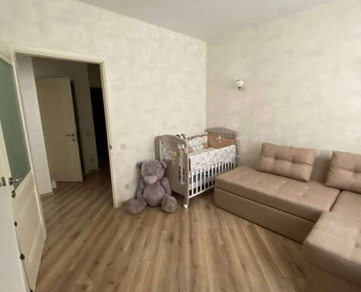 Продажа большая двухкомнатная квартира с евроремонтом в ЖК Центральный Ирпень. Агентство недвижимости