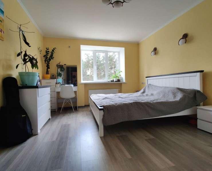 Продажа большая трехкомнатная квартира с ремонтом ЖК Карат улица Университетская Ирпень. Агентство недвижимости