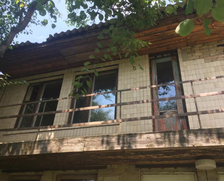 Продажа частный дом и летняя кухня на участке 6 соток в Ворзеле. Агентство недвижимости