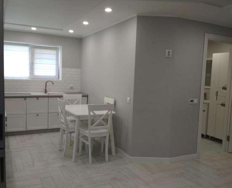 Продажа 2 двухкомнатная квартира с ремонтом и мебелью в ЖК Джерело улица Толстого Ирпень. Агентство недвижимости