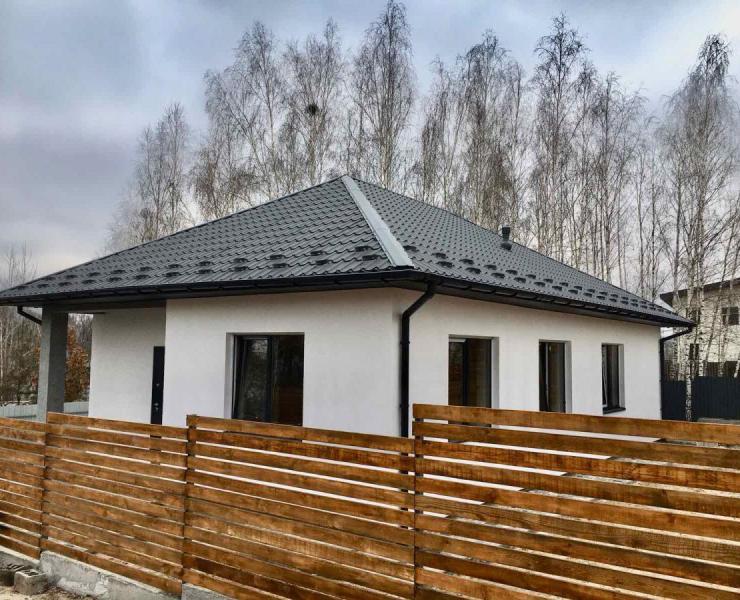 Продажа новый одноэтажный дом возле озера в окружении березок Гостомель. Агентство недвижимости