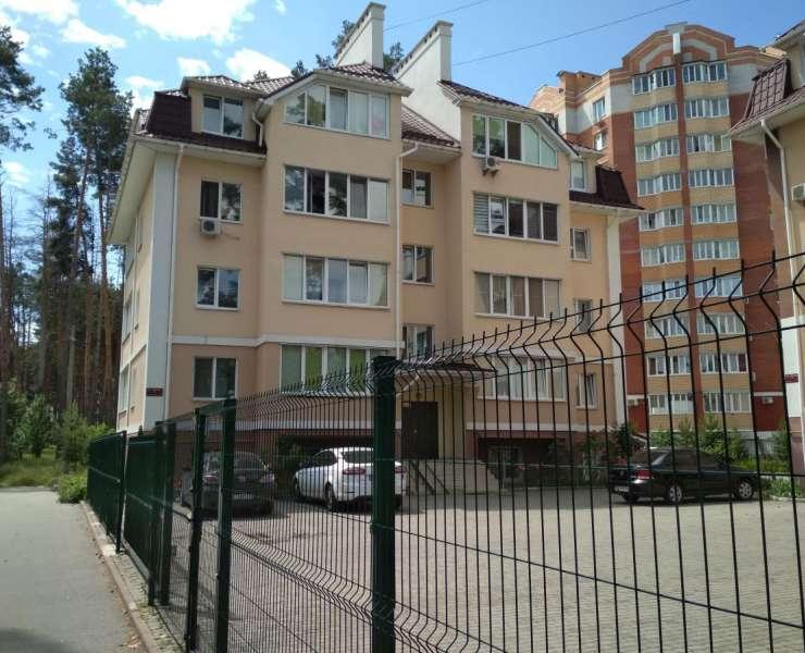 Продажа 1 однокомнатная квартира на цокольном этаже в районе Центрального парка улица Чехова Ирпень. Агентство недвижимости
