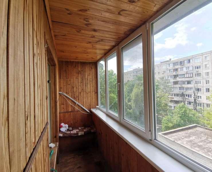 Продажа 1 однокомнатная квартира на Виноградаре Межевой переулок Ветряные горы Киев. Агентство недвижимости
