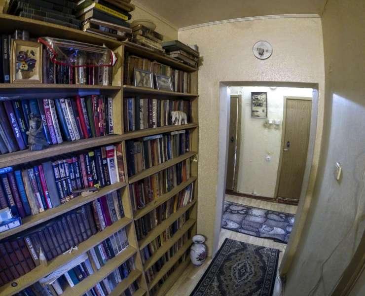 Продажа раздельная 3 трехкомнатная квартира на Виноградаре улица Мостицкая Киев. Агентство недвижимости