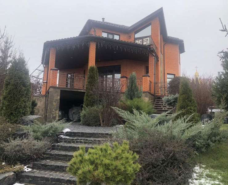 Продажа шикарный дом с ремонтом и большим участком с ландшафтным дизайном село Музычи. Агентство недвижимости