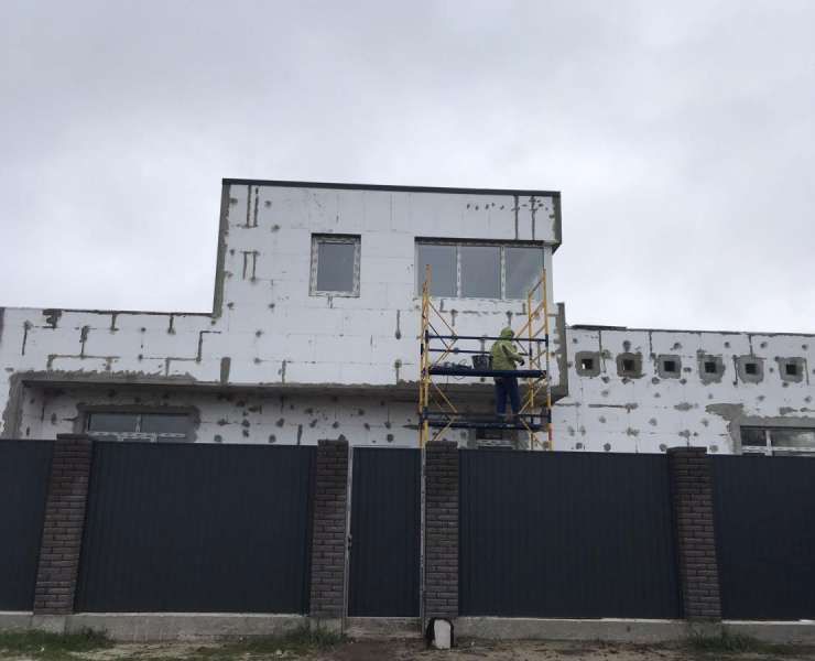 Продажа шикарный двухэтажный дом с гаражом и террасами возле парка улица Революции Буча. Агентство недвижимости