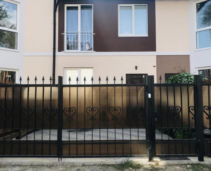 Продажа таунхаус в закрытом коттеджном городке среди сосен улица Гостомельское шоссе Гостомель. Агентство недвижимости