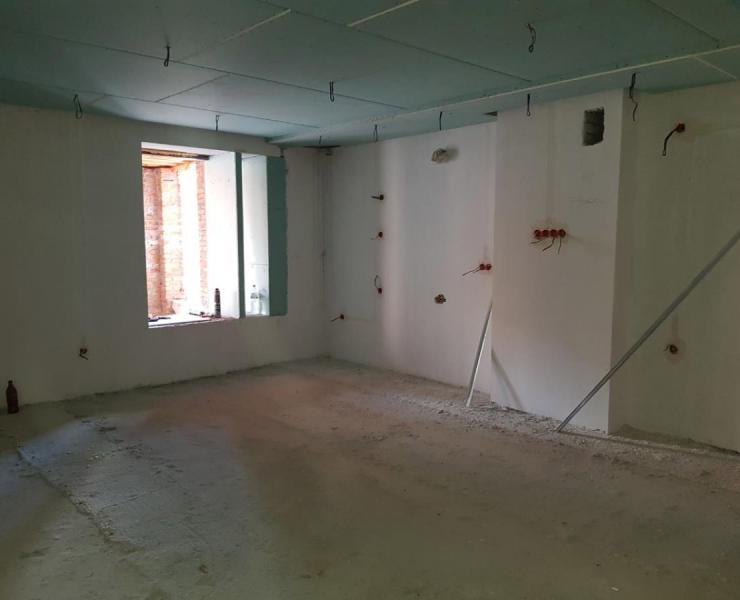Продажа 3 трехкомнатная квартира с террасой и кухней-студией в ЖК Карат улица Университетская Ирпень. Агентство недвижимости